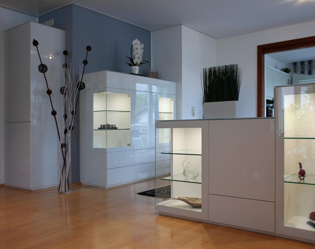 Wohnraum mit Glasmöbeln
